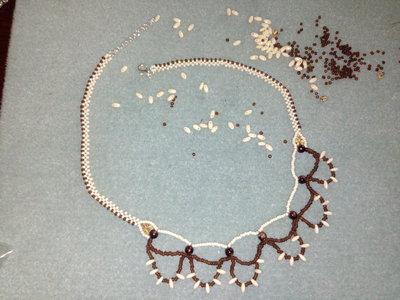 Collana avorio marrone