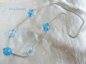 Collana di catena e perle in resina azzurre