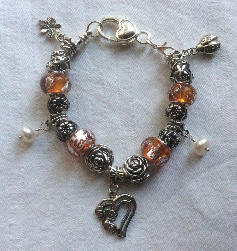 Stupendo bracciale moda con cherms in argento tibetano e pietre dure