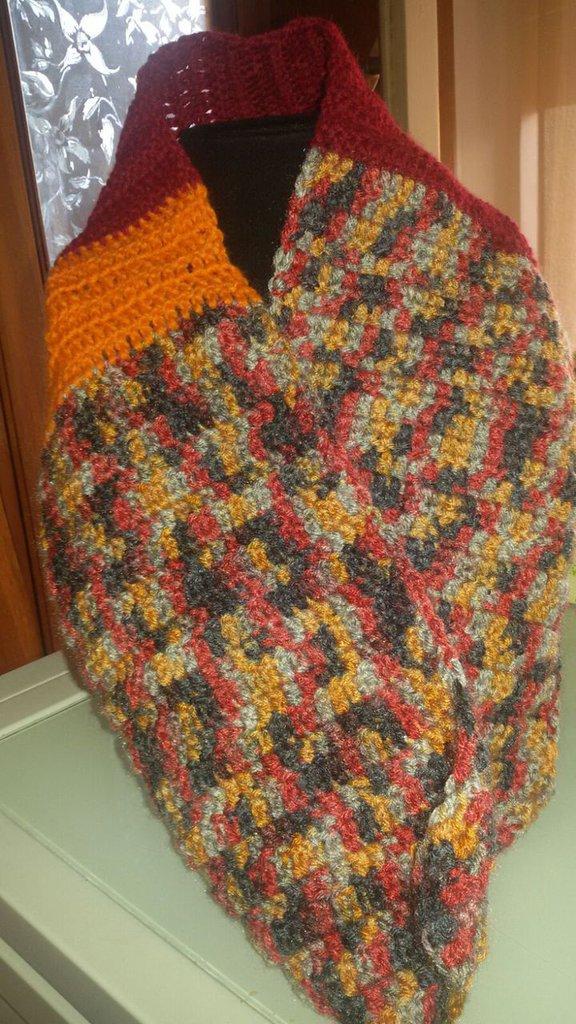 Scaldacollo in lana colore bordeaux