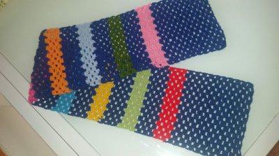 Sciarpa corta in lana leggera