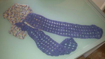 Sciarpa lunga in lana lilla