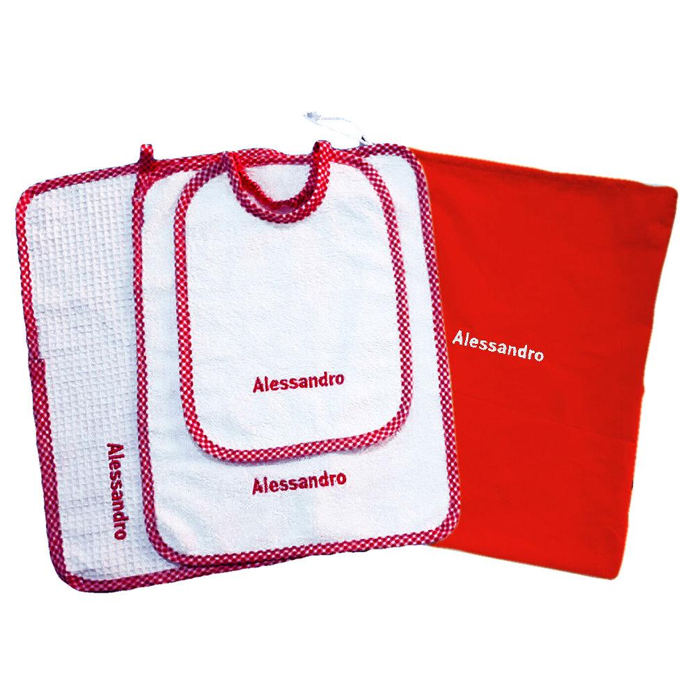 Set asilo 4 pezzi rosso tovaglietta bavaglino sacca asciughino salvietta ricamo nome bimbo personalizzato
