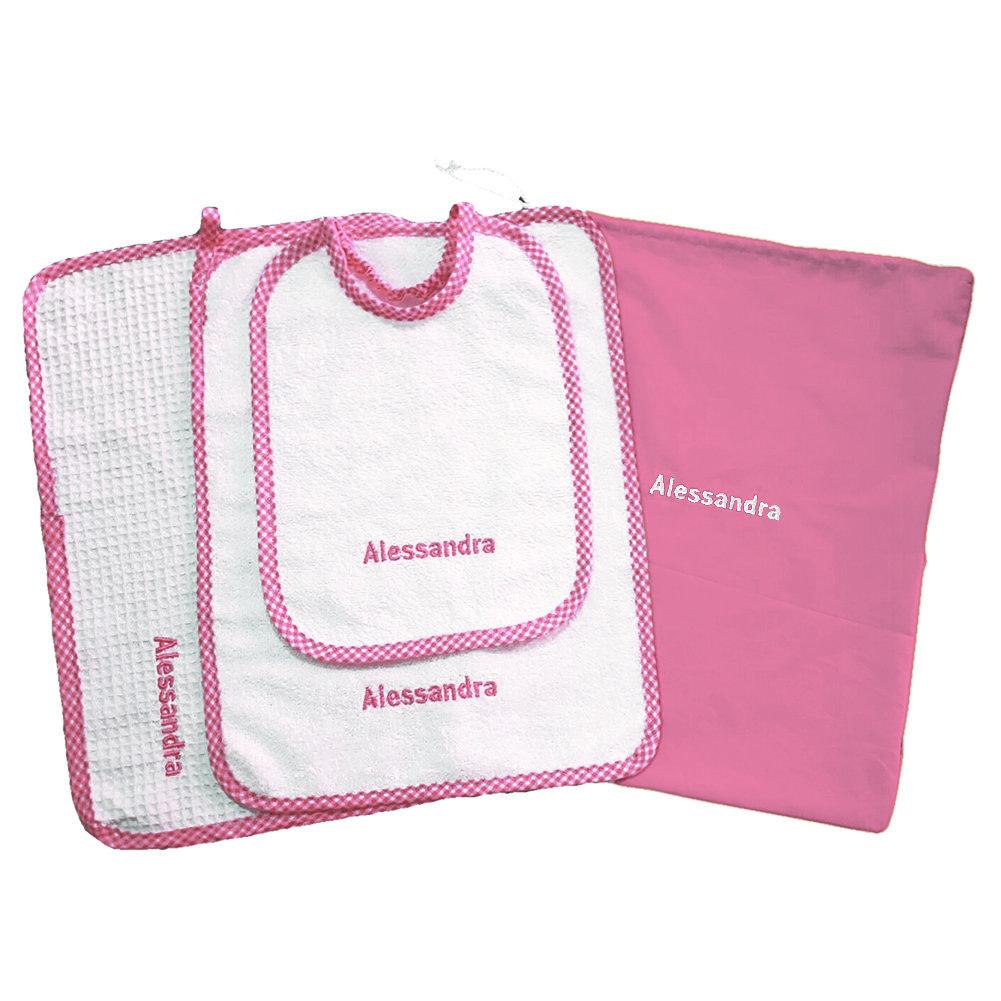 Set asilo 4 pezzi rosa tovaglietta bavaglino sacca asciughino salvietta ricamo nome bimbo personalizzato