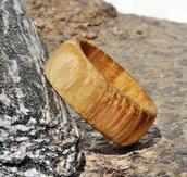 Anello a veretta in legno di castagno fatto a mano