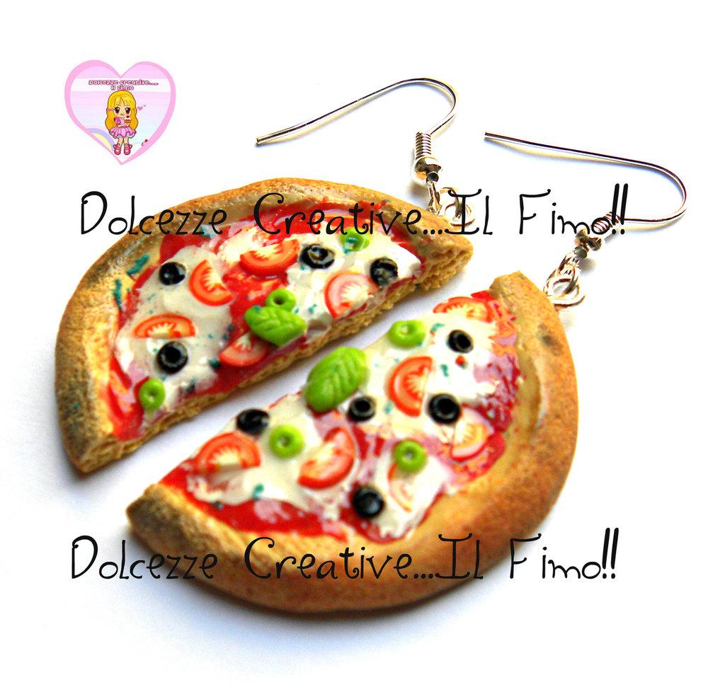 Orecchini pizza margherita con olive - Kawaii handmade fimo