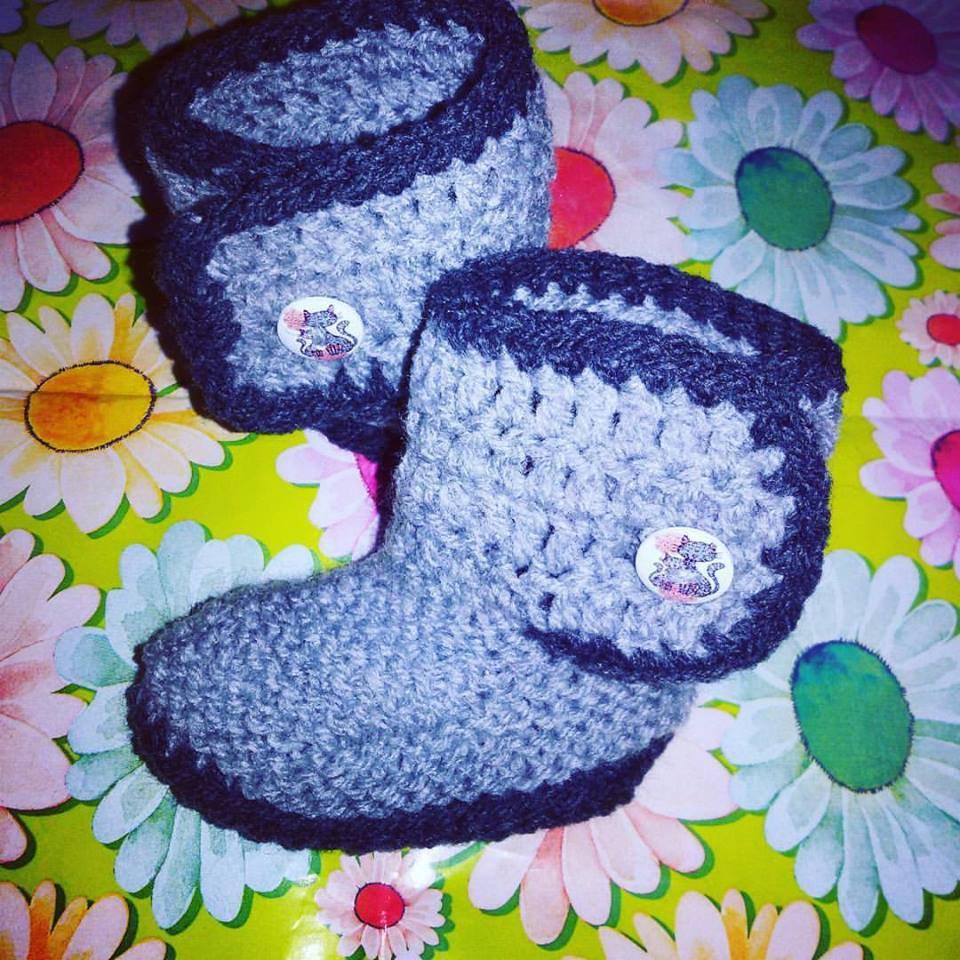 Stivaletti scarpette scarpine tipo Ugg neonato