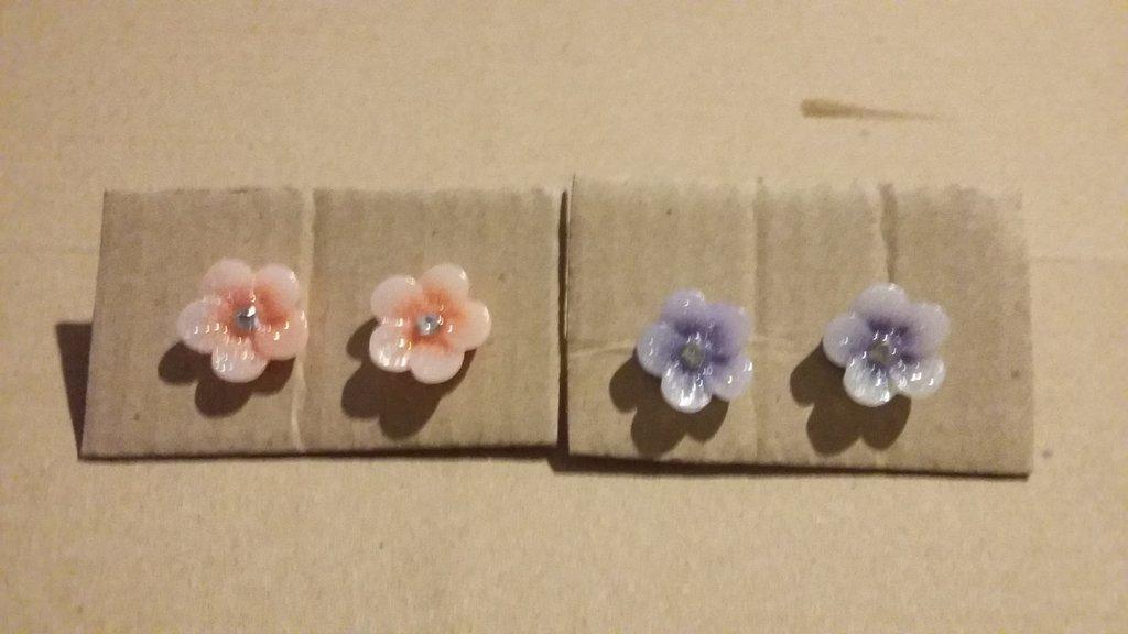 Orecchini fiore colorato