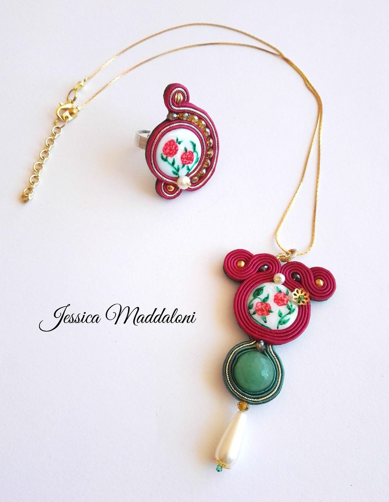 Jane Austen _ Parure in Soutache con Cabochon di Madreperla dipinta a mano, Cristalli, Agata e Perle di acqua dolce