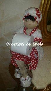 Bambola portarotolo bianca e rossa