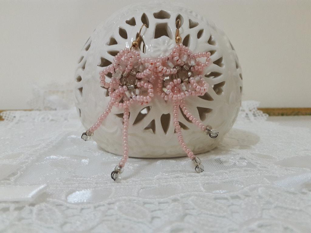 Orecchini perline fiore