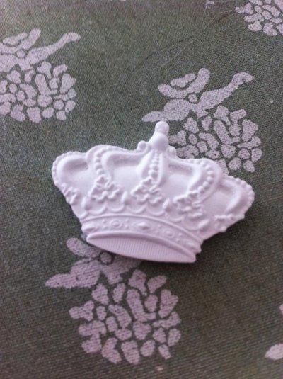 coroncina in gesso ceramico