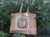 Grande borsa in tela juta con stampa rose , nastro e fodera rosa.