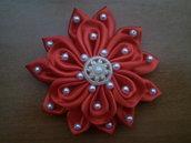 Doppio fiore kanzashi fatto a mano