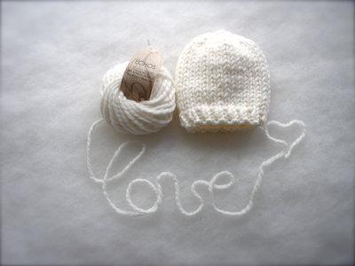 Bianco Cappellino neonato in Alpaca Bio cappellino neonato lavorato a mano con lana biologica