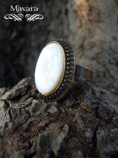anello in bronzo con madre perla