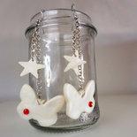 Farfalle e stelle bianco perla con brillantino rosso - orecchini pendenti
