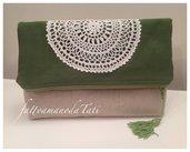 Pochette bicolore in cotone verde ed ecrù con centrìno