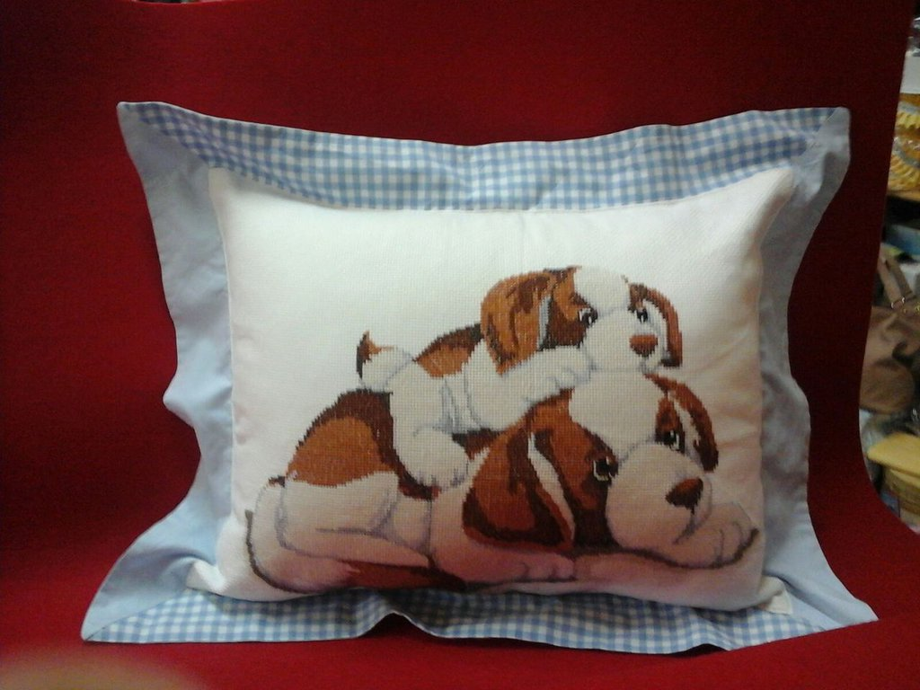 cuscino con cani
