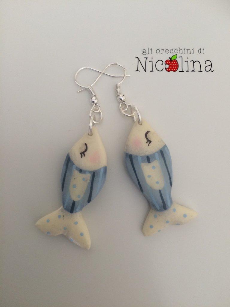 Orecchini pesciolini azzurri righe e pois