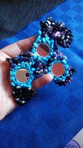 Shnauzer decorato con perline..