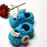 Sandalini per neonata con fiorellino