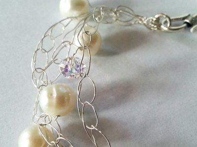 Bracciale in Argento con Perle d'acqua dolce, Cristallo di Rocca e Swarovsky pensato per il segno del Cancro