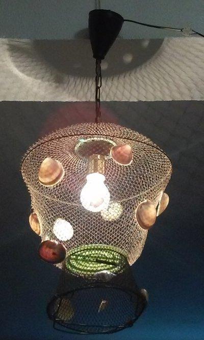 Lampadario lampada conchiglie vecchia nassa rete da pesca unico