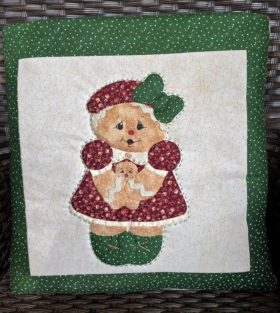 cuscino quillow ginger con bambolina - un cuscino con dentro un plaid