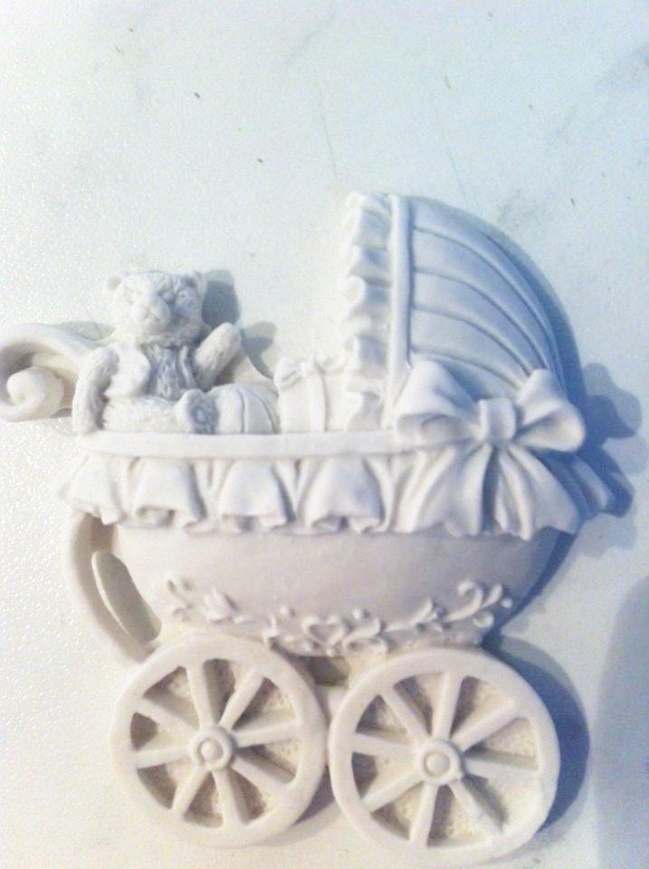 Carrozzina battesimo nascita in gesso ceramico