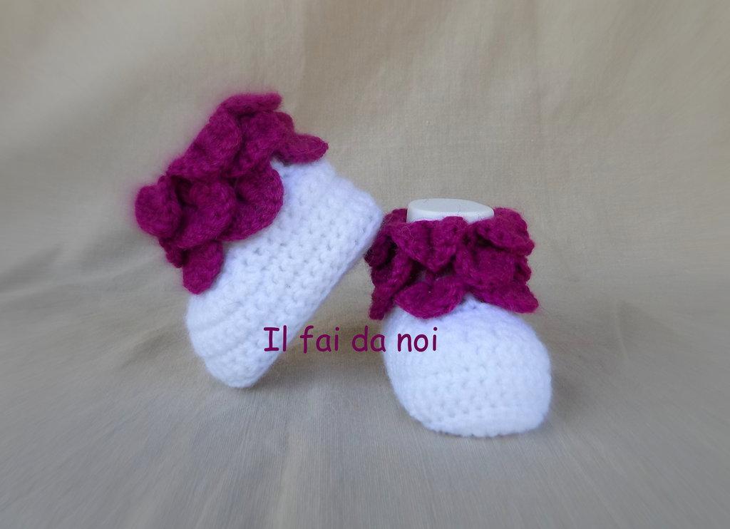 Scarpine bianche per neonata 0-3 mesi, uncinetto, lana