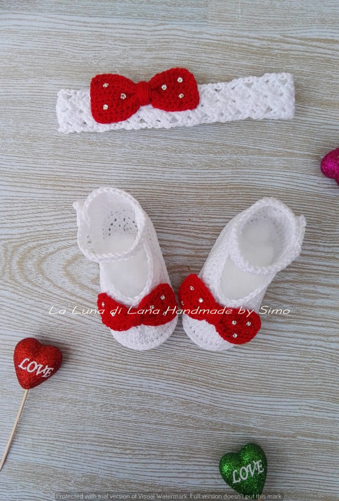 scarpette e fascetta per neonata a uncinetto