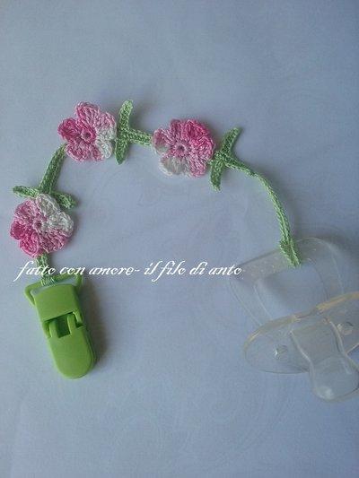 Catenella porta ciuccio con fiori
