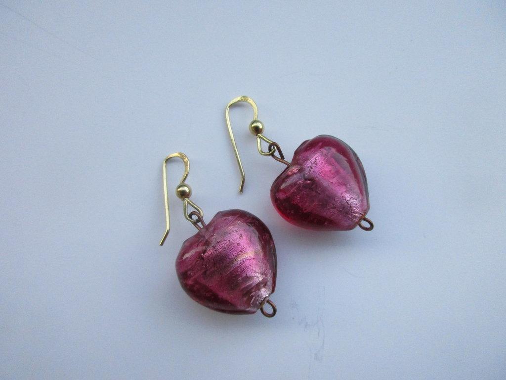 Cuore in vetro di Murano, gancio rgento 935 dorato, /orecchini unici/San Valentino/ idea regalo/fatti a mano