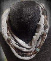 Collana/sciarpa di stoffa e perle