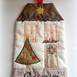 Fuoriporta natalizia in stoffa ricamato
