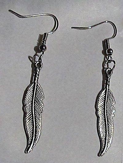 Orecchini con piuma in argento tibetano