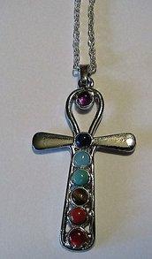 Collana unisex uomo donna con vere pietre dure naturali 7 chakra incastonate in amuleto ciondolo pendente croce egizia di Ankh