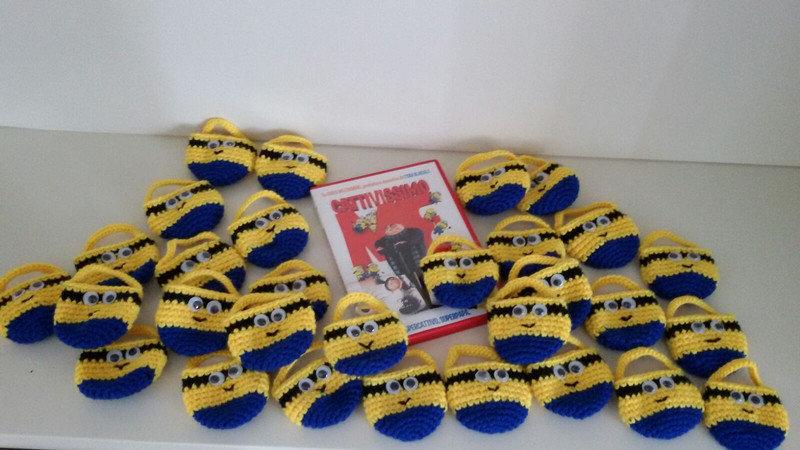 Minion-sacchetti portaconfetti-bomboniere realizzati a mano