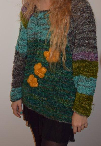 maglia con fiori gialli