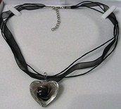 Collana girocollo in organza con cuore in vetro di Murano