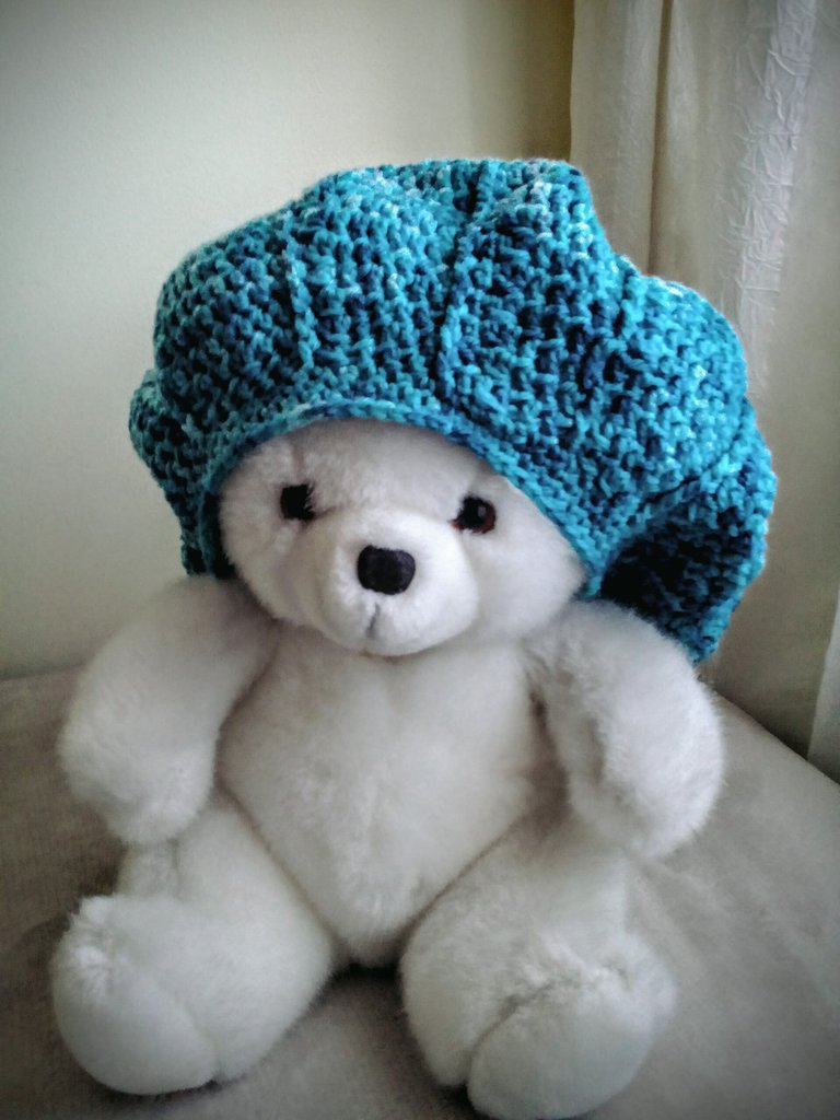 Cappello, double face, uncinetto,melange verde,turchese,azzurro e bianco, fatto a mano