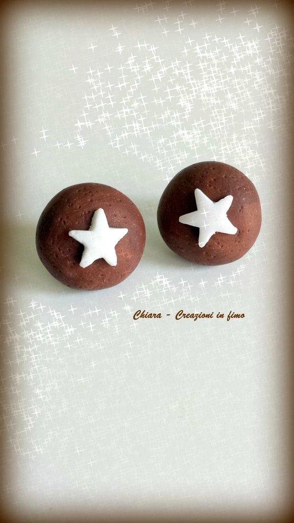 Orecchini da lobo in fimo handmade pan di stelle mooncake kawaii idea regalo Natale regalo epifania calza befana