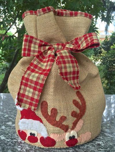 Natale - porta panettone con renna e babbo Natale