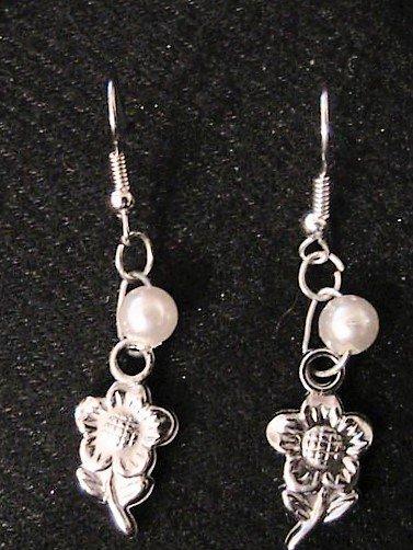 Orecchini con girasole e perla
