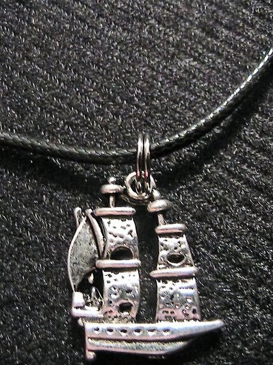 Collana con veliero in argento tibetano