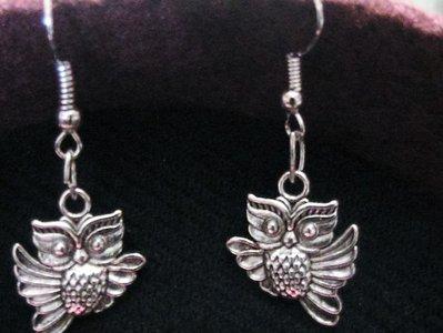 Orecchini con gufetti portafortuna in argento tibetano