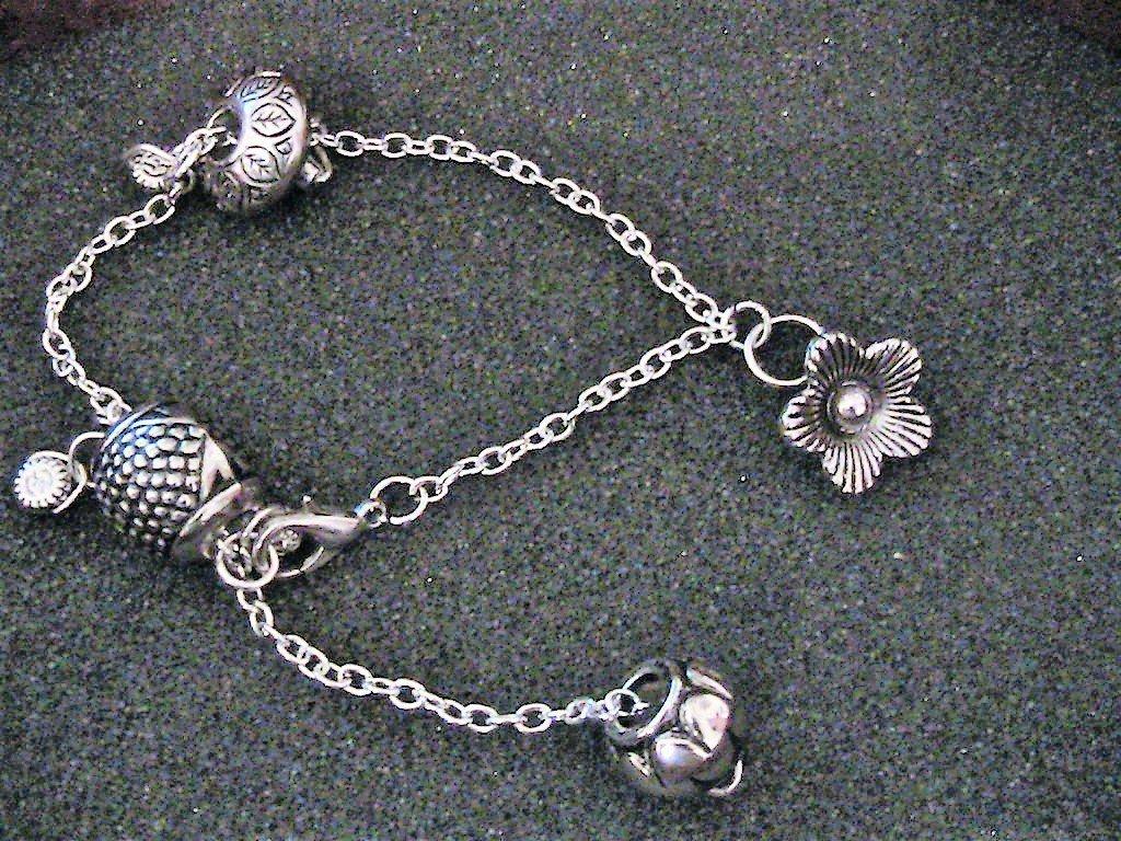 Bracciale/cavigliera con grosse perle lavorate in argento tibetano