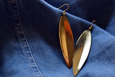 Orecchini pendenti fogla di ulivo in ottone