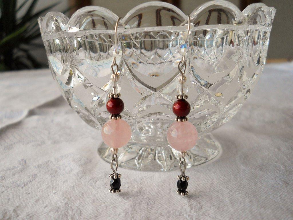 Orecchini pendenti quarzo rosa e perle Swarovski